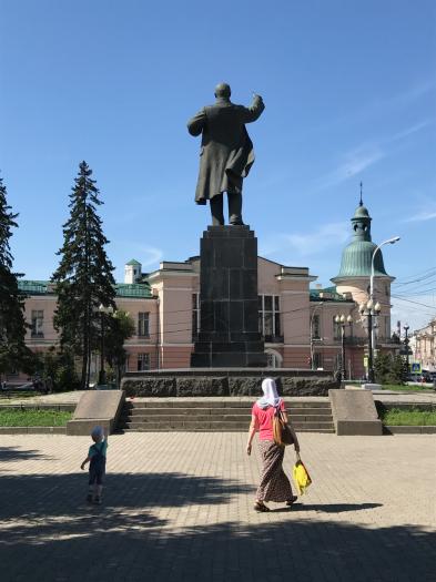 Wie in jeder russischen Stadt ist Lenin auch im Stadtzentrum von Irkutsk immer noch präsent.